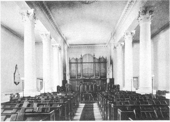 Interior de la primera Iglesia Presbiteriana Escocesa San Andrés en Buenos Aires.Piedras 55